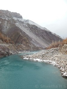 A view from the bridge on Leh-Srinagar highway